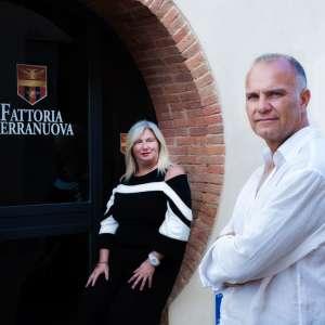 Fattoria_Terranuova_Bracciolini_ritratto_proprietari_2